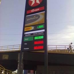 Rótulos y pantallas para gasolineras 11