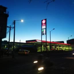Rótulos y pantallas para gasolineras 7